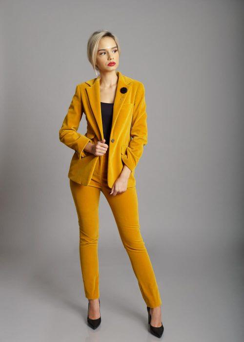 Costum catifea galben rever clasic