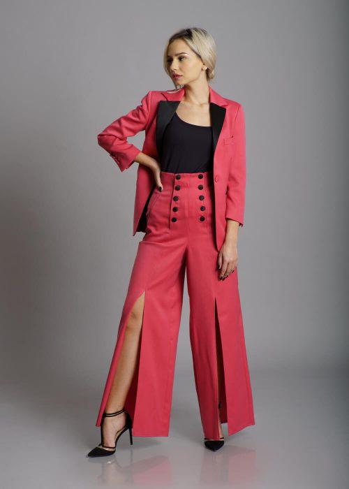 Costum roz rever clasic